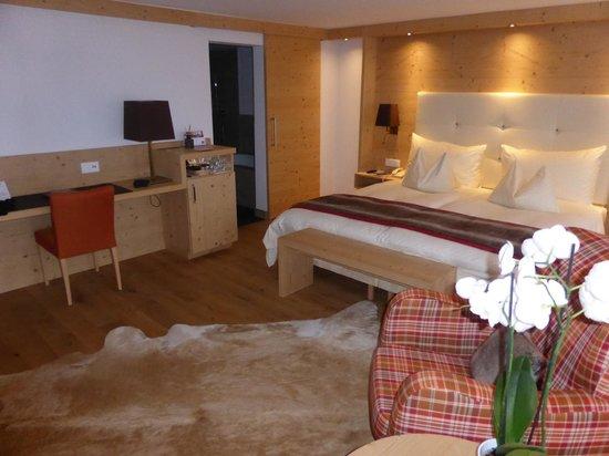 Golfhotel les Hauts de Gstaad: Vue d'ensemble de la suite