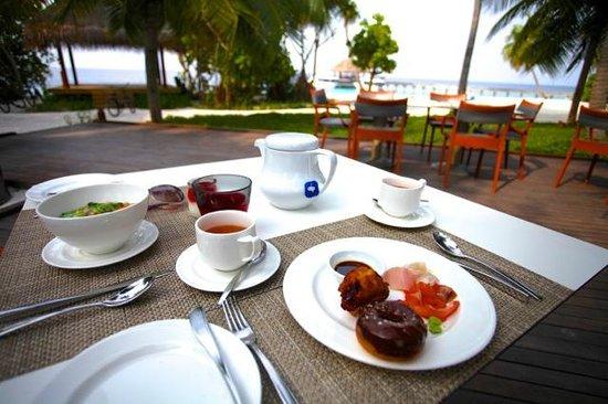 Dusit Thani Maldives: Breakfast Buffet @ The Market