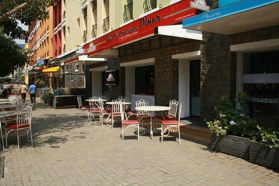 The Waterfront Shaw, Lavasa : Resturants