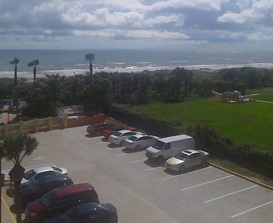 DoubleTree by Hilton Hotel Cocoa Beach Oceanfront: view from our roo