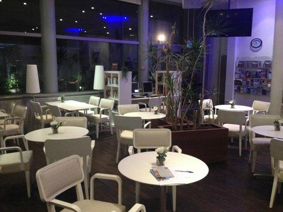 Hotel Gilgal: Espace commun à la réception