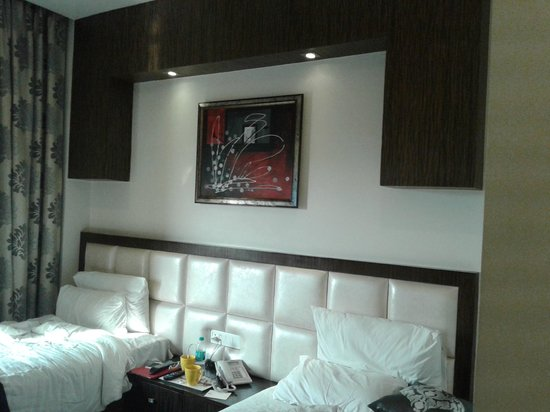 Hotel Jivitesh : room's bed