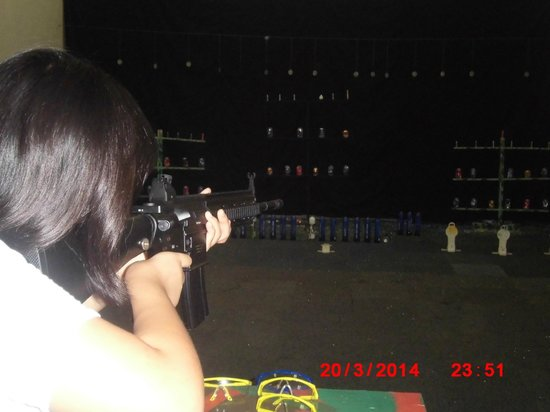 HARRIS Resort Batam Waterfront: Shooting Range
