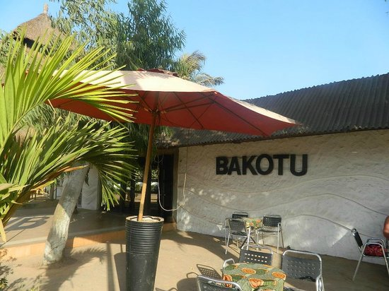 Bakotu Hotel: Out side the Hotel