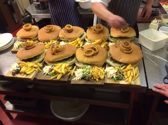 The Farmers Boy Pub and Restaurant : Fancy a Man V Food Monthly Burger Challenge