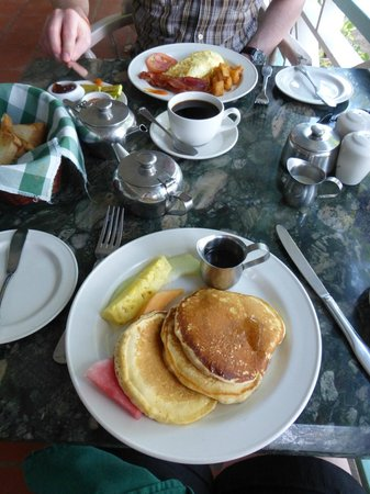 Oualie Beach Resort: Breakfast
