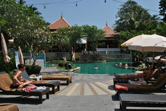 Andaman Cannacia Resort : piscine