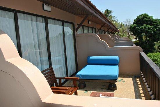Andaman Cannacia Resort: balcon chambre