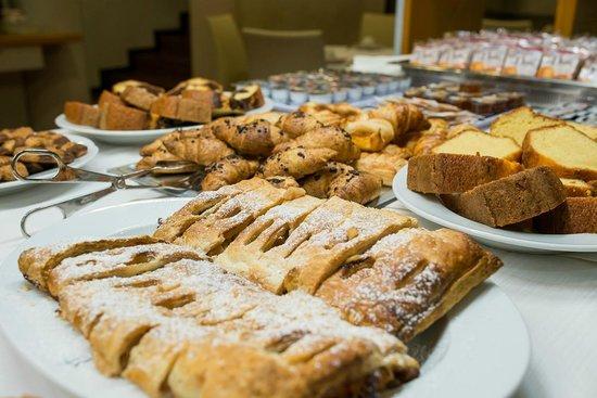 Hotel Terme: Colazione con servizio di caffetteria al tavolo