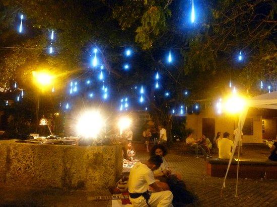 Plaza de San Diego : le luci della notte in plazas.diego