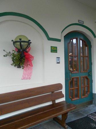 Hotel Perauer: hotel's door