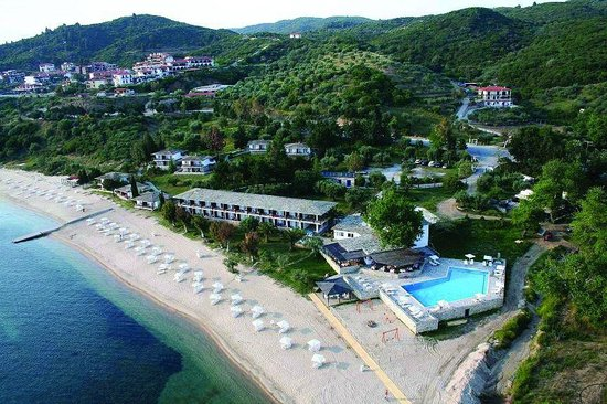 Xenia Ouranopolis: Direct Beach Location only 2 minutes walking to Ouranoupolis village