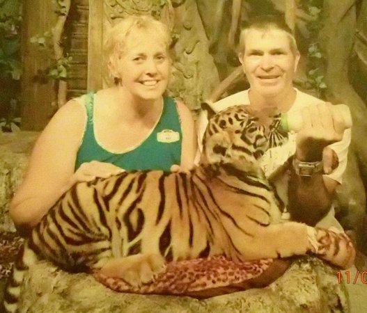 Phuket FantaSea : with the tiger cub