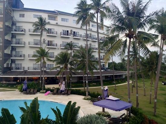 BEST WESTERN Cebu Sand Bar Resort: going for slide