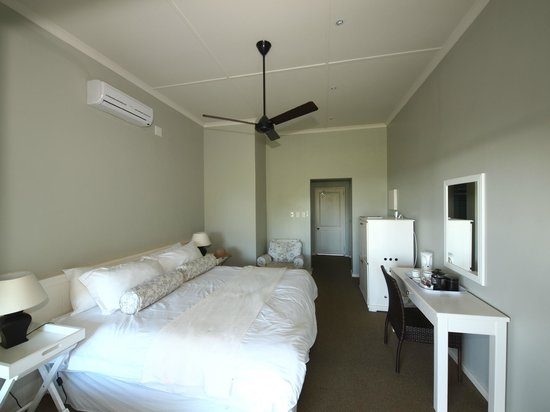 Coral Tree Colony B&B: All rooms have A/C & Fans
