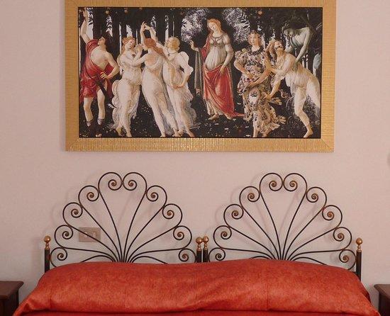 Primetta House: The red bedroom