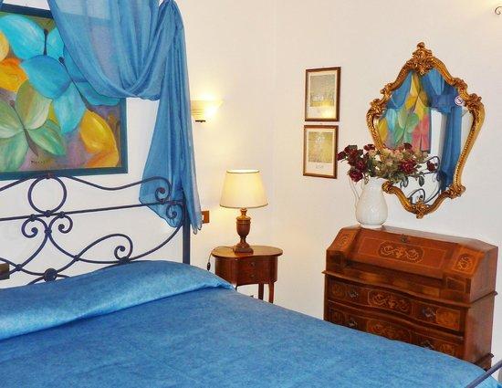 Primetta House: The blue badroom