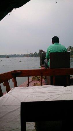 Lakes & Lagoons Tour Company : Enjoying the scenery
