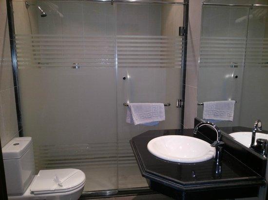 Swiss Inn Hotel Cairo: toilet