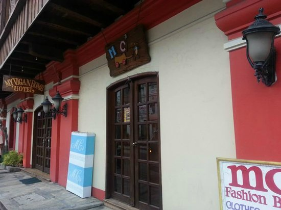 My Vigan Home Hotel: Hotel Entrance