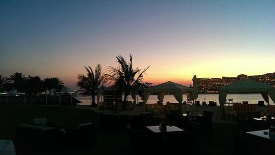 Traders Hotel, Qaryat Al Beri, Abu Dhabi: Sunset from the beach bar