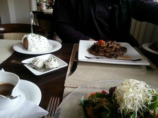 Reethus: Dry-aged Ribeye-Steak