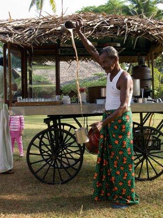 Marari Beach Resort : Making coffee