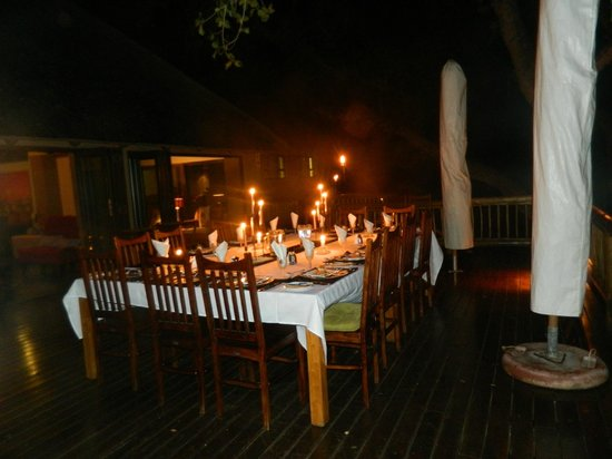 Naledi Bushcamp and Enkoveni Camp: Candle lit dinners were a norm!