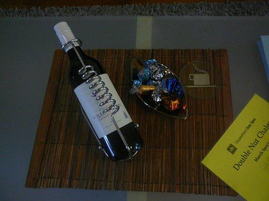 Double Nut Chalets - Hazelnut - wine & chocolates