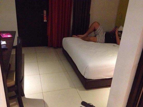 Ozz Hotel Kuta: Superior room