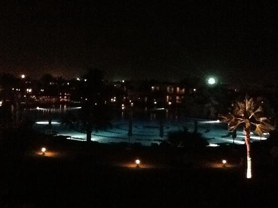 Hilton Sharks Bay Resort: from sportbar second flore
