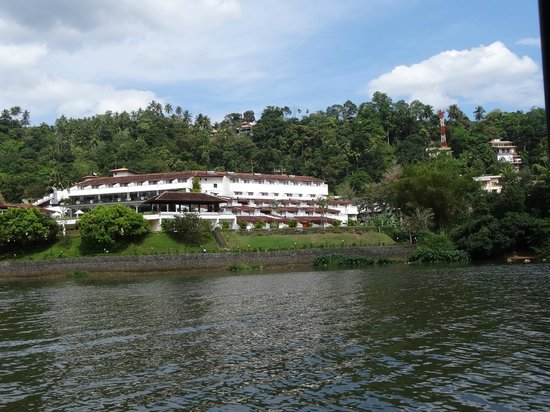 Cinnamon Citadel Kandy: The Hotel from the river