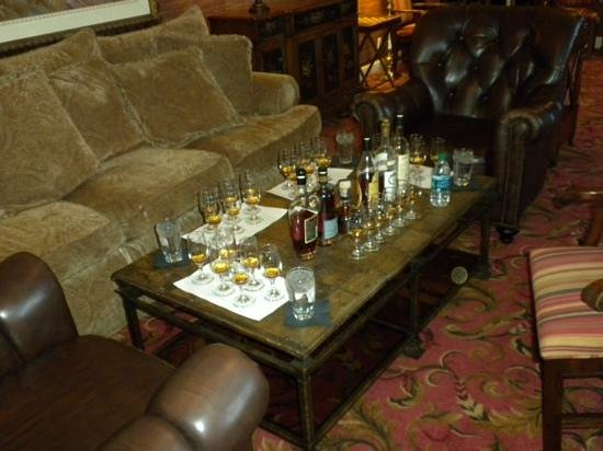 Beaumont Inn: Premium Bourbon Tasting with Dixon