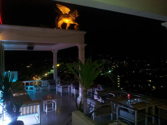 Le Versace: You will never want to leave... The most beautiful atmosphere