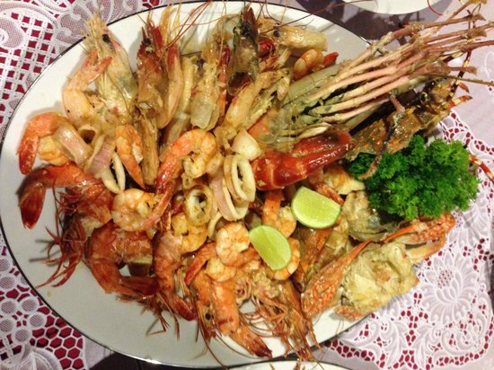 Amarit Hotel : тарелка с морепродуктами