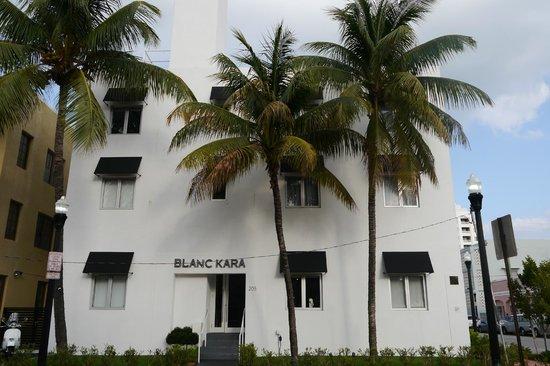 Blanc Kara : Vue extérieure de l'hotel