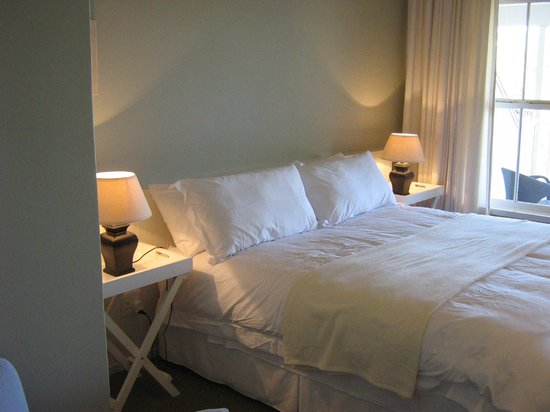Coral Tree Colony B&B: A Choice of King Size or Twin Beds.