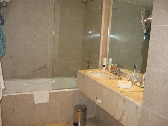 Corinthia Hotel Lisbon : Bathroom