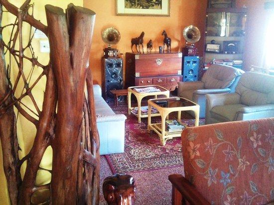 Glen Fall Resort: Lounge Area