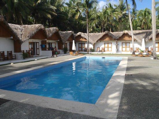 Elysia Beach Resort: Rooms & Pool