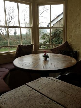 The White Lion: Cute window seat by fire