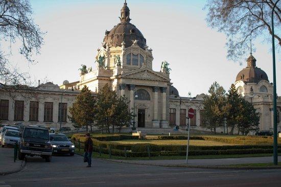 Széchenyi Baths and Pool : Внешний вид