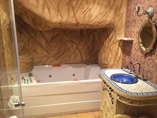 Posada la Leyenda: Baño de la habitación marroquí