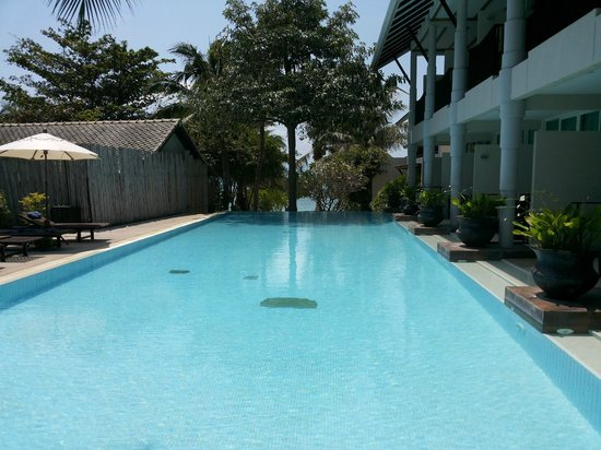 Sarikantang Resort & Spa: Pool Next to the New Wing