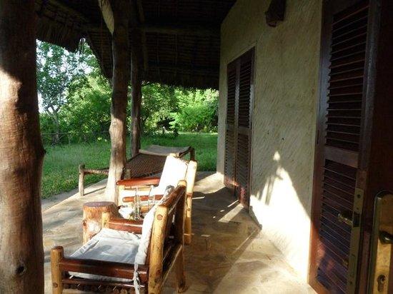 Shamba Kilole Eco Lodge : Terasse mit Blick aufs Meer