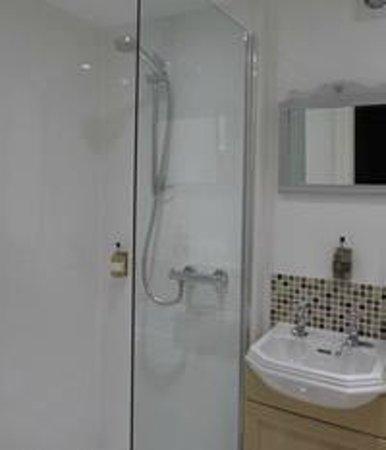 The Old Croft House: Twin Room Bathroom