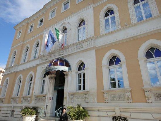 Grand Hotel Ortigia: 正面玄関