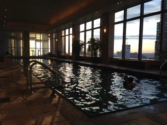 Mandarin Oriental, New York : The pool at sunset!