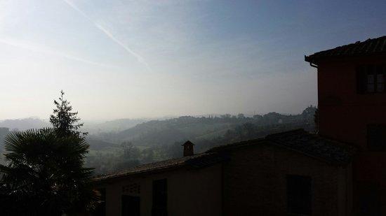 Hotel Santa Caterina: La vista dal giardino, di mattina presto, a marzo.