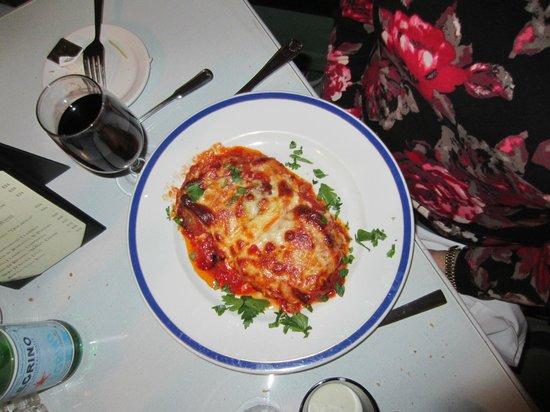 Alberto's Pizzeria : Chicken Parmesian - beautiful and yummy